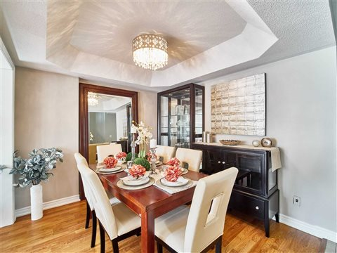 8 Whitefoot Cres