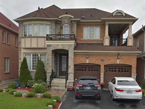 24 Routledge Dr Lower, Richmond Hill
