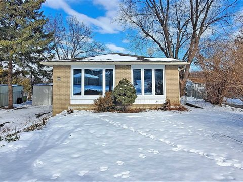 765 Greenfield Cres Main, Newmarket
