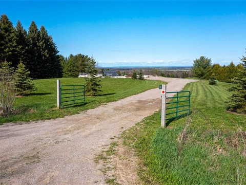 3881 3 Nottawasaga Conc Sdrd S, Clearview