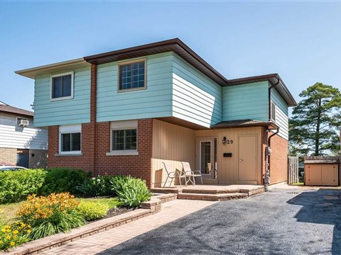 29 Chaucer Cres