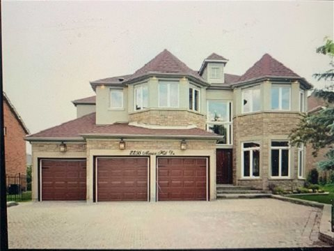 2256 Manor Hill Dr Lower, Mississauga