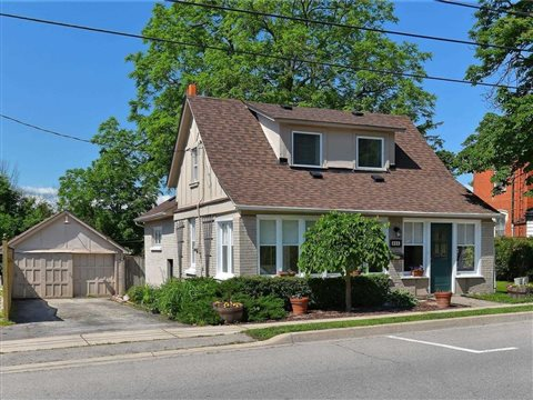 366 Queen St S, Mississauga
