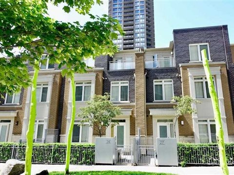 370 Square One Dr Th26, Mississauga