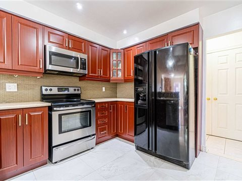 5 Wildberry Cres
