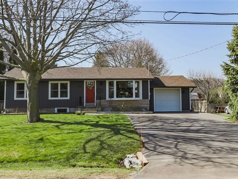 26 Pinewood Ave, Grimsby